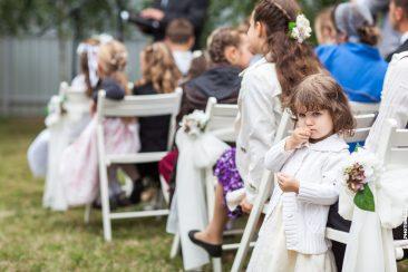 Hochzeitsgesellschaft Kind